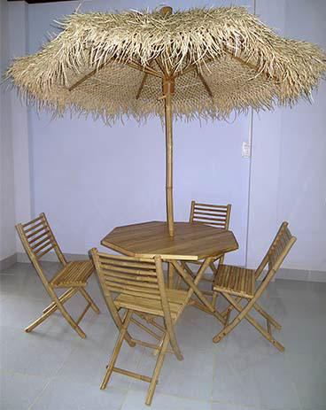 Palapa Umbrella Table & Chairs Set