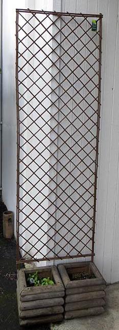 Lattice Fence Decoration